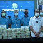 Konferensi Pers War on Drugs dengan barang bukti berupa sabu-sabu seberat 324,3 kg yang diselenggarakan di Ruang Pattimura Gedung Utama BNN RI, Jakarta Timur, Kamis. (19/8). Foto: Screnshoot Instagram @berantas_bnn