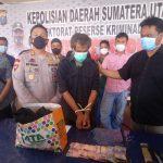 Kapolres Pematang Siantar AKBP Boy Sutan Binanga Siregar ,S.I.K Hadirkan Tersangka Pelaku Pembunuhan Bersama Barang Bukti, Sabtu (02/10/2021)
